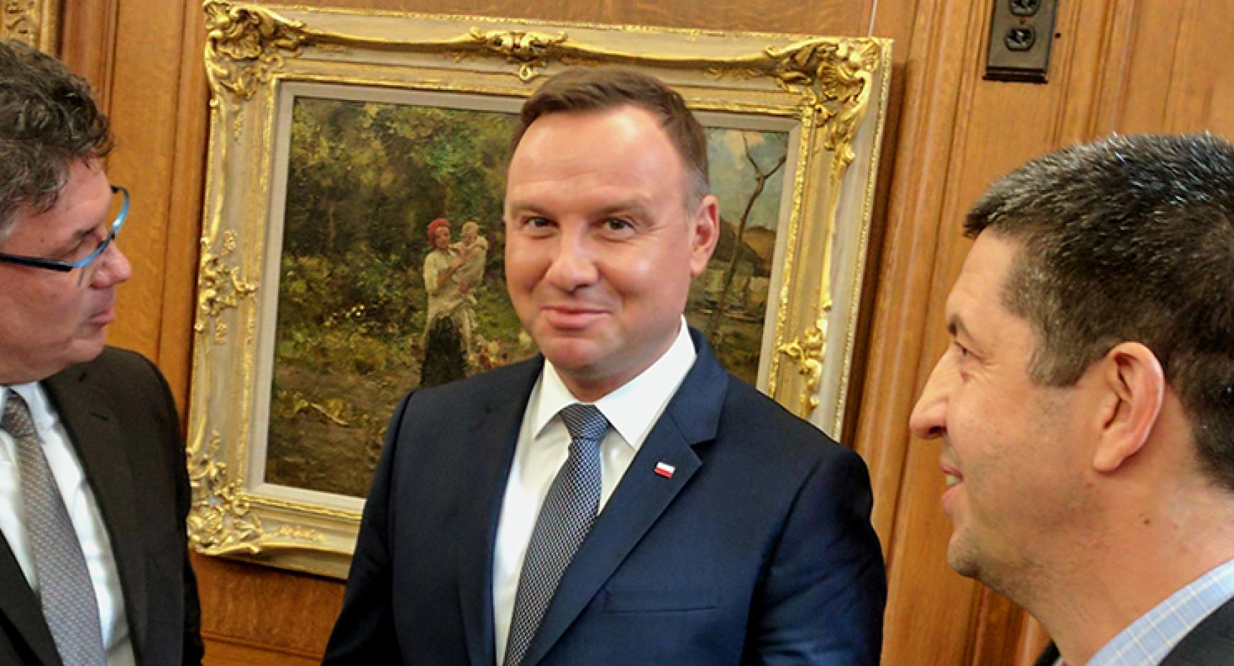 Dr. Jaeck Gwizdka, Texas iSchool assistant professor and Mr. Andrzej Duda, president of the Republic of Poland